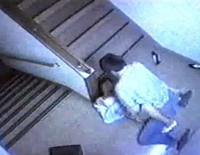 女性がレイプされる様子が防犯カメラに写っていた